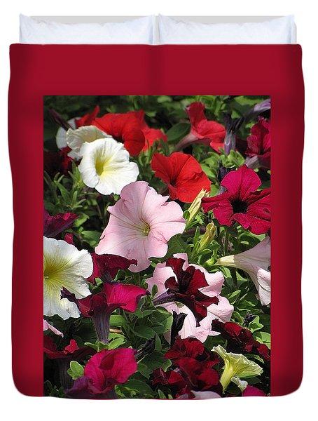 A Plethora Of Petunias Duvet Cover