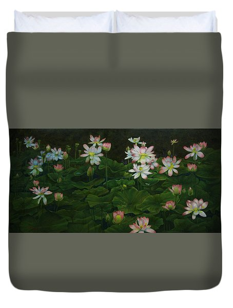 A Pond Full Of Water Lilies And Youtube Video Duvet Cover by Roena King