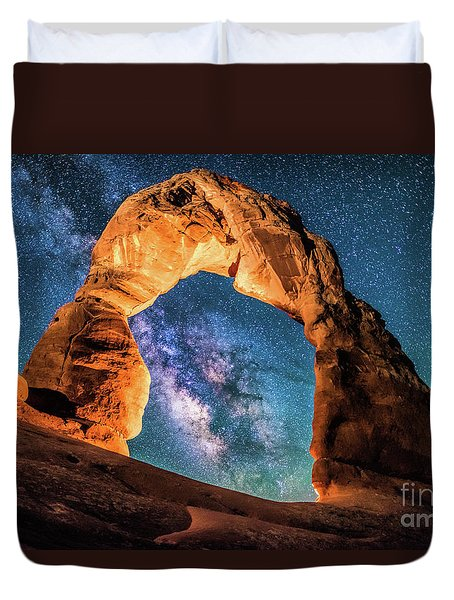 A Portal To The Milky Way At Delicate Arch Duvet Cover