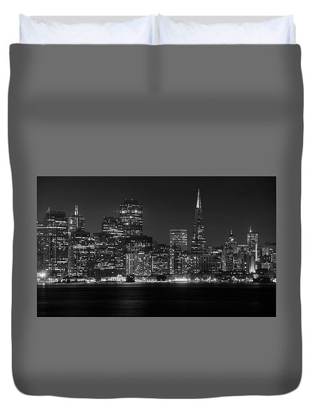 Duvet Cover featuring the photograph A Pyramid In The City by Peter Thoeny