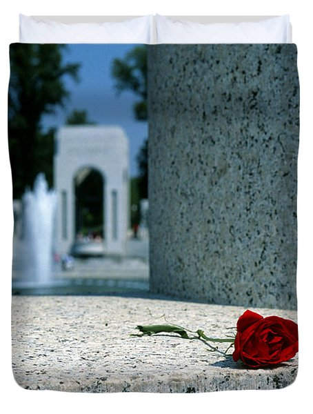 A Rose Memento At The World War II Memorial In Washington Dc Duvet Cover
