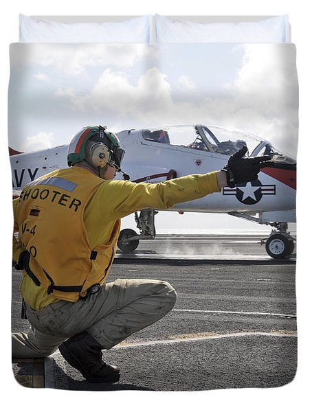 A Shooter Launches A T-45 Goshawk Duvet Cover by Stocktrek Images
