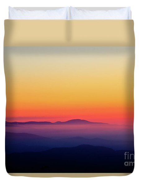 Duvet Cover featuring the photograph A Simple Sunrise by Douglas Stucky