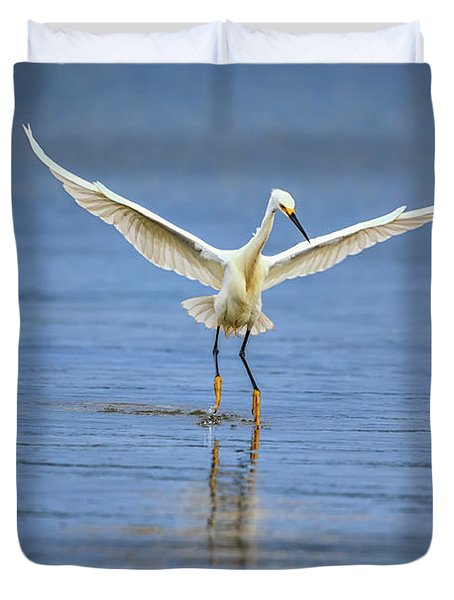 A Snowy Egret Dip-fishing Duvet Cover by Rick Berk