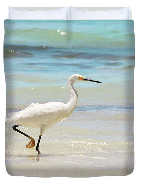 A Snowy Egret (egretta Thula) At Mahoe Duvet Cover by John Edwards