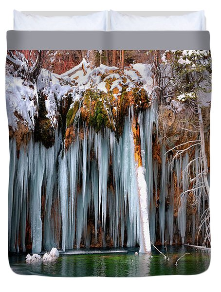 A Spring That Knows No Summer. - Hanging Lake Print Duvet Cover