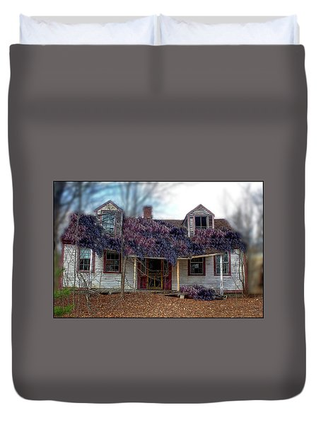 A State Of Wisteria Duvet Cover