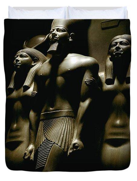 A Statue Of Pharoh Menkaura Duvet Cover