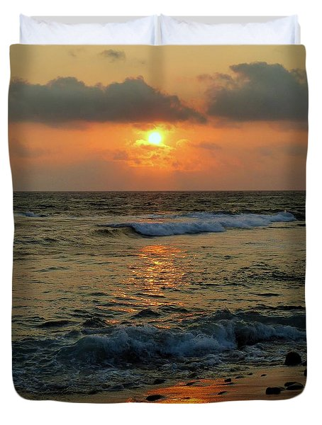 Duvet Cover featuring the photograph A Sunset To Remember by Lori Seaman