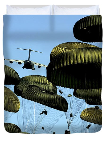 A U.s. Air Force C-17 Globemaster IIi Duvet Cover by Stocktrek Images