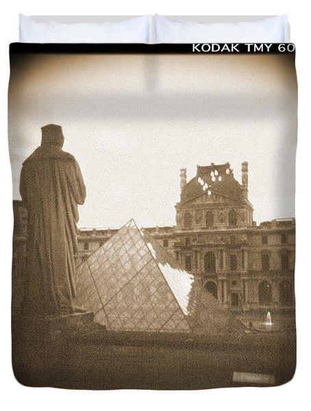 A Walk Through Paris 16 Duvet Cover