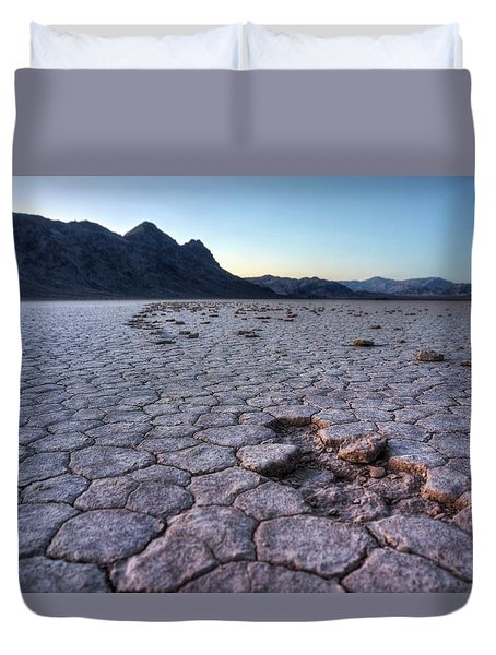 Duvet Cover featuring the photograph A Windy Place In The Desert by Peter Thoeny