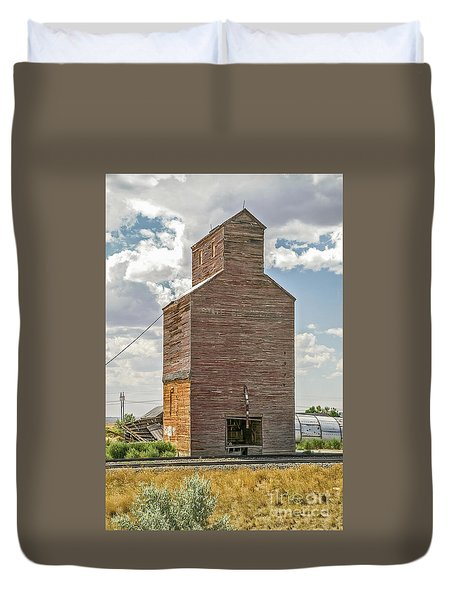 Duvet Cover featuring the photograph Abandoned Grain Elevator by Sue Smith