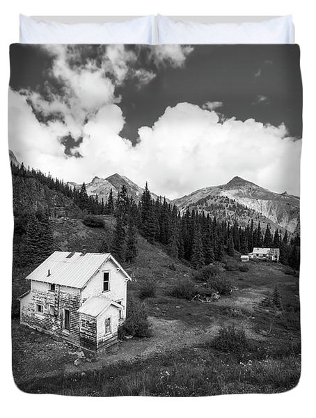 Abandoned Home In Silverton In Black And White Duvet Cover