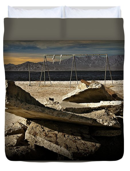 Duvet Cover featuring the photograph Abandoned Ruins On The Eastern Shore Of The Salton Sea by Randall Nyhof