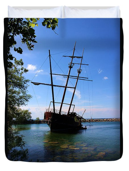 Abandoned Ship Duvet Cover by Al Bourassa