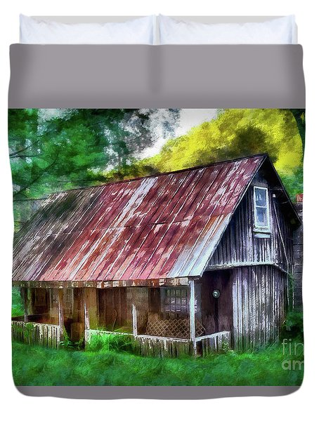 Abandoned Vintage House In The Woods Ap Duvet Cover by Dan Carmichael