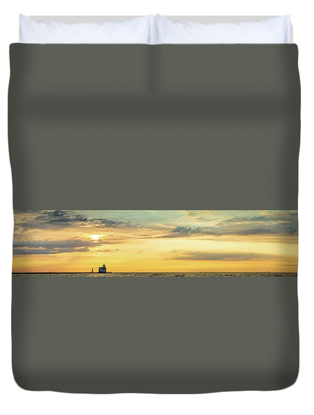 Duvet Cover featuring the photograph Abundance Of Atmosphere by Bill Pevlor