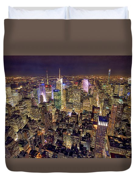 Duvet Cover featuring the photograph Across Manhattan by Ross Henton
