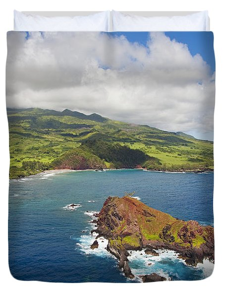 Aerial Of Alau Islet Duvet Cover by Ron Dahlquist - Printscapes