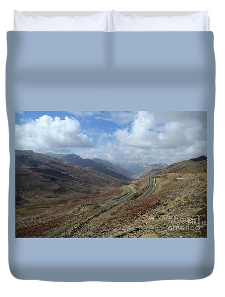 Aerial Shot Of Mountainous Karakoram Highway Babusar Pass Pakistan Duvet Cover