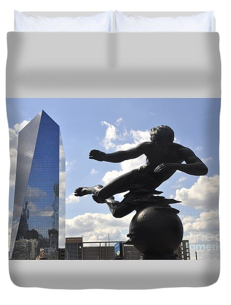 Air Sculpture Duvet Cover by Andrew Dinh