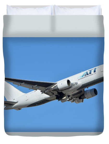 Air Transport International Boeing 767-232 N763cx Phoenix Sky Harbor January 19 2016  Duvet Cover by Brian Lockett