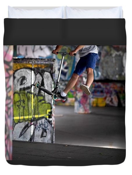 Airborne At Southbank Duvet Cover
