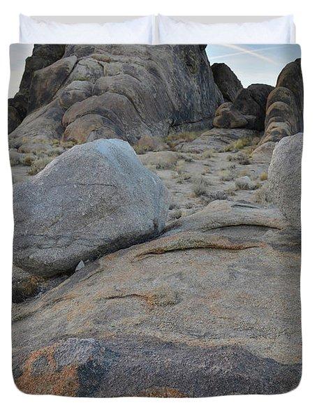 Alabama Hills Boulders At Dusk Duvet Cover