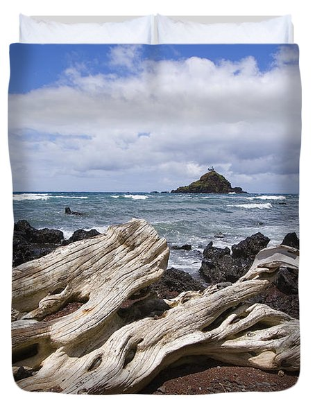 Alau Islet, Driftwood Duvet Cover by Ron Dahlquist - Printscapes