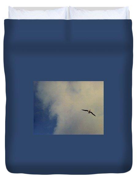 Albatross In Flight Duvet Cover by Alohi Fujimoto