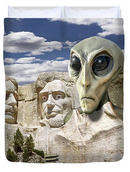 Alien Vacation - Mount Rushmore 2 Duvet Cover by Mike McGlothlen