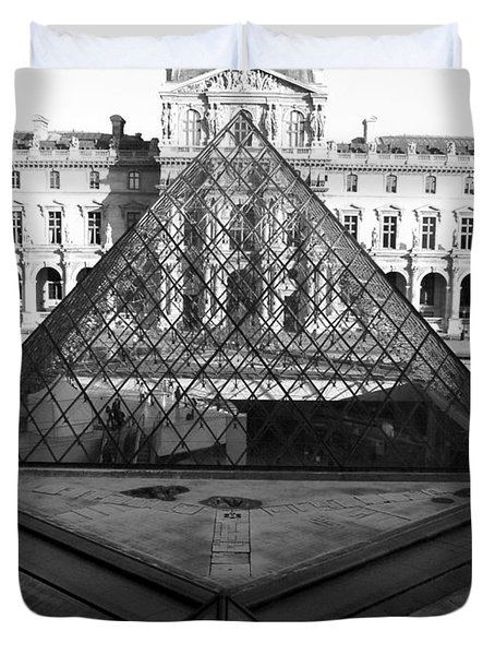 Aligned Pyramids At The Louvre Duvet Cover