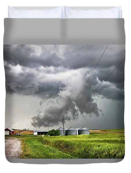 Alive Sky In Wyoming Duvet Cover