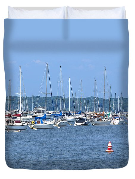 Duvet Cover featuring the photograph All In Line by Newwwman
