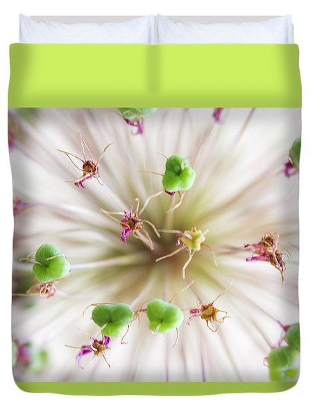 Allium Zoom Duvet Cover