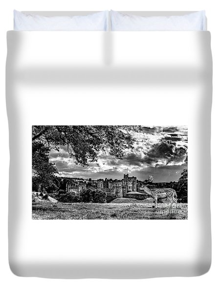 Alnwick Castle And Fallow Deer Duvet Cover