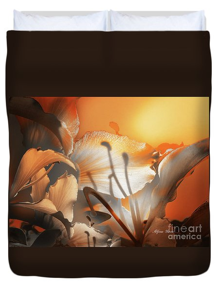 Duvet Cover featuring the photograph Amanecer  by Alfonso Garcia