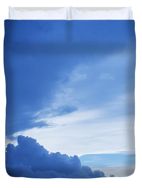 Amazing Blue Sky Vertical Duvet Cover