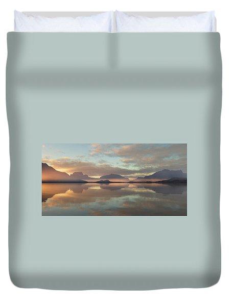 Duvet Cover featuring the digital art Salmon Lake Sunrise by Mark Greenberg