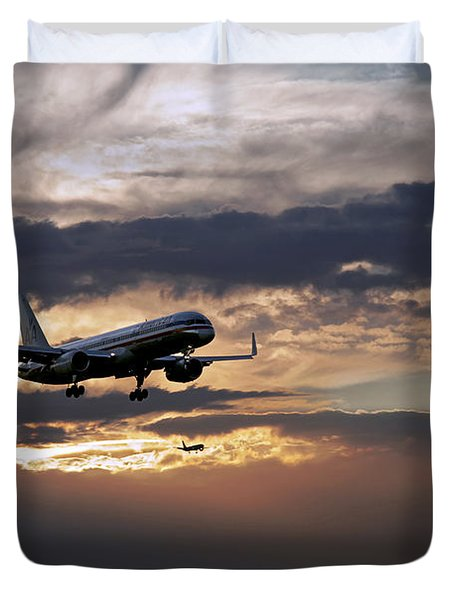 American Aircraft Landing At The Twilight. Miami. Fl. Usa Duvet Cover