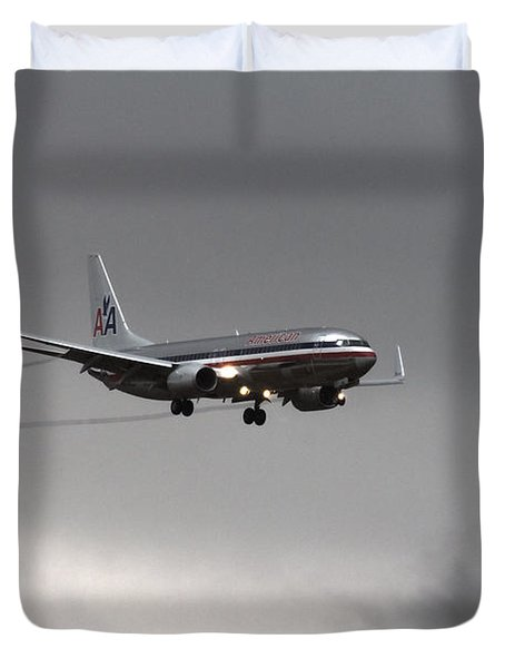 American Airlines-landing At Dfw Airport Duvet Cover