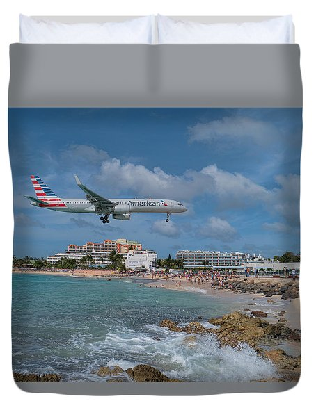 American Airlines Landing At St. Maarten Airport Duvet Cover