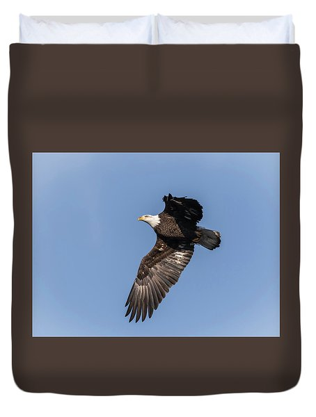 Duvet Cover featuring the photograph American Bald Eagle 2017-9 by Thomas Young