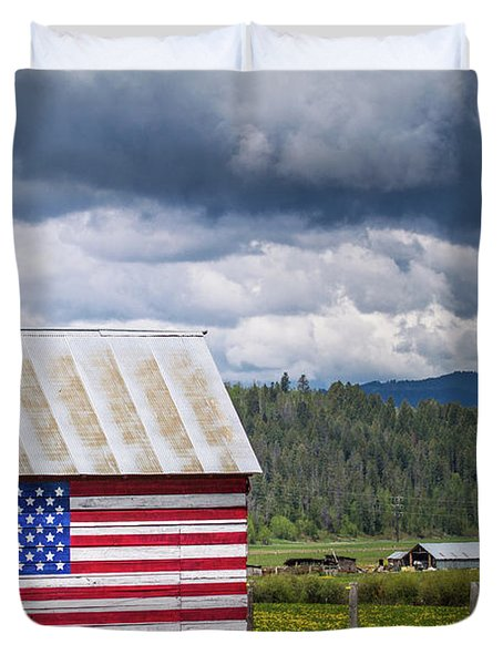 Duvet Cover featuring the photograph American Landscape by Wesley Aston