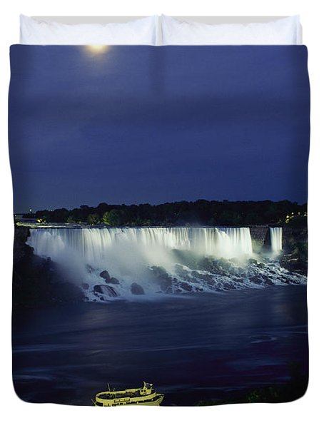 American Side Of Niagara Falls, Seen Duvet Cover by Richard Nowitz