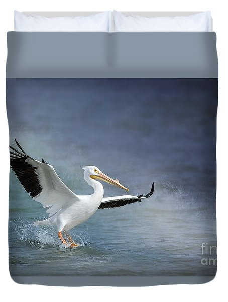 American White Pelican  Duvet Cover by Bonnie Barry