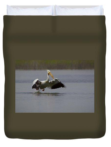 American White Pelican Da Duvet Cover by Ernie Echols