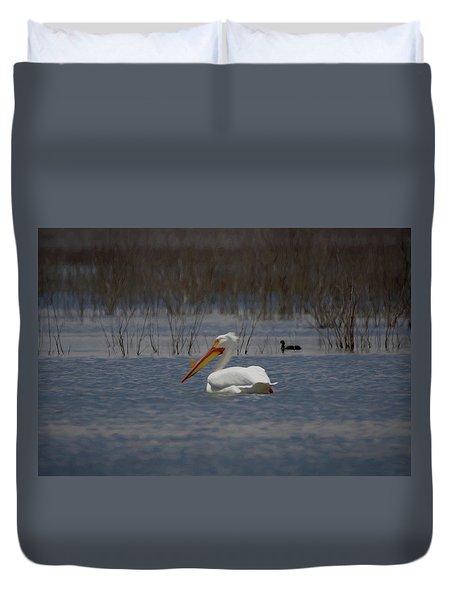 American White Pelican Searching Da Duvet Cover by Ernie Echols