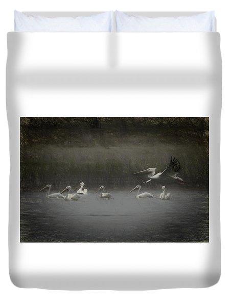 American White Pelicans Da Duvet Cover by Ernie Echols